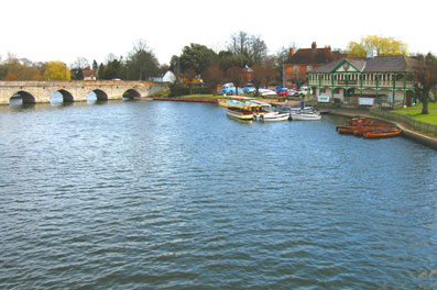stratford upon avon - wedding photography and wedding video dvd